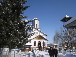 biserica razvad de sus 3